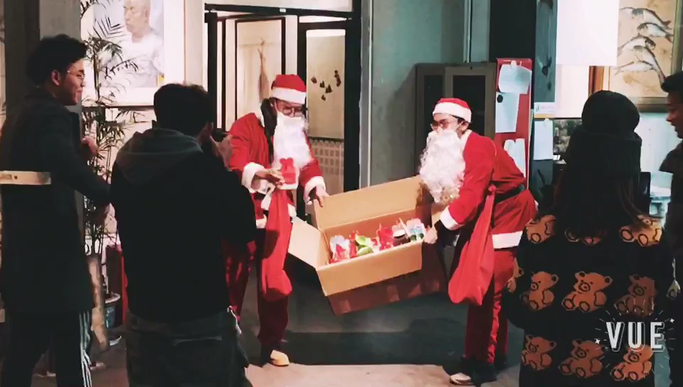 圣诞老人空降之江