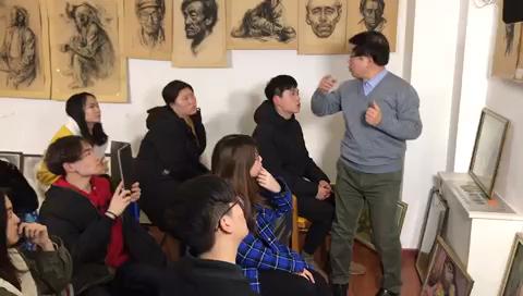 中戏教授为学员们讲解头像分析!