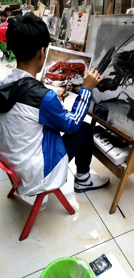 来大庆玊彩美术学校,一个敢于直播讲课的画室