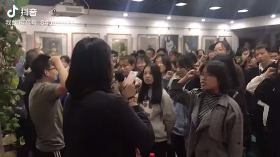 在河南郑州力度画室集训的孩子们!