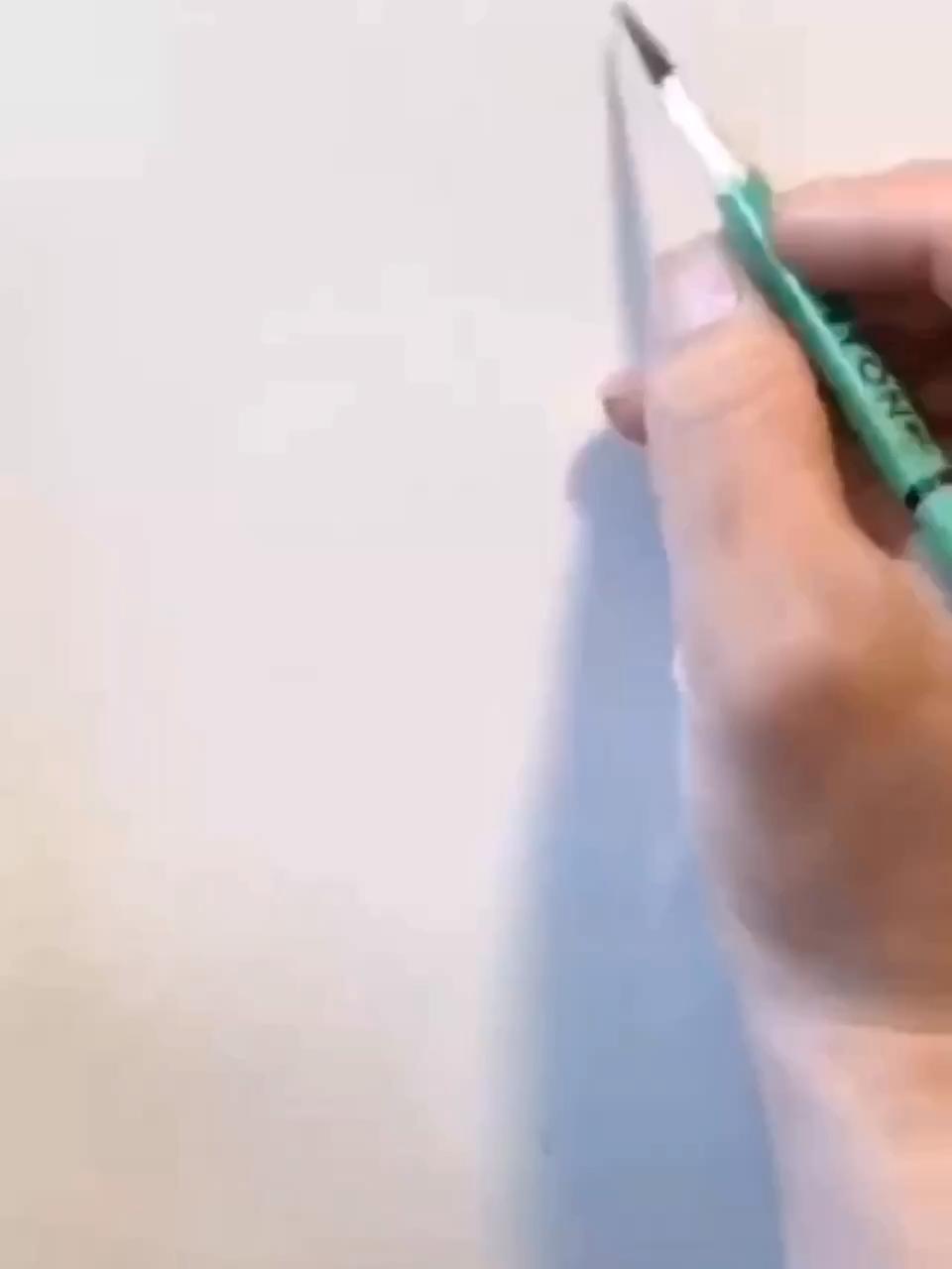速写人物必备:由眼睛开始勾勒。图:夏理佳,毕业于中央美术学院雕塑系硕士研究生。