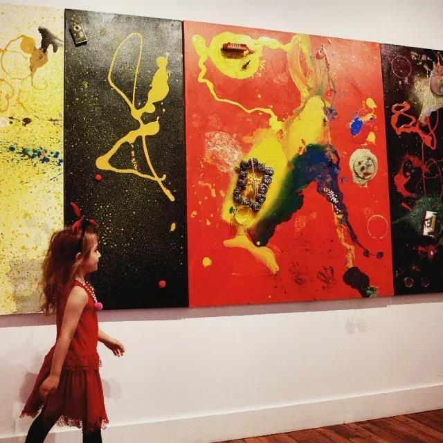 她2岁办画展,4岁收入百万,9岁享誉全球!瞬间觉得白学了这么多年的美术!