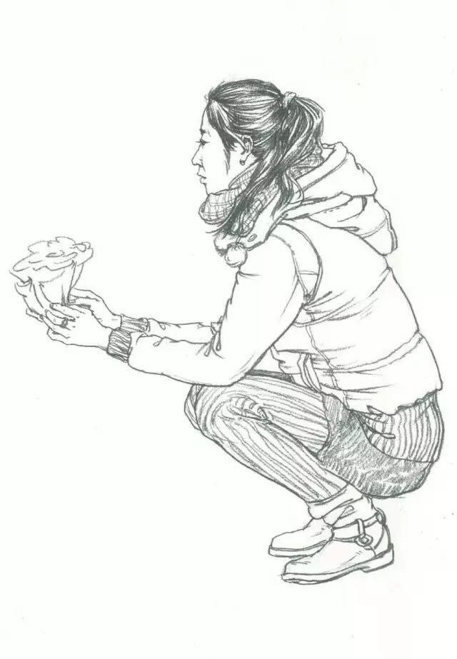 【干货】99%的美术生都会遇到的速写蹲姿问题!