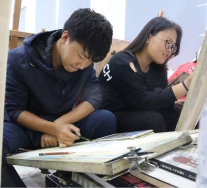 #北京周达画室# 设计大课第二天~~ 学生创作和老师讲解一体化~~经过了