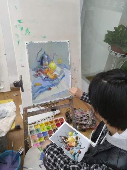 武汉艺合画室高二学生照片写生,高二就能画成这样,真让老师欣喜啊!快快来艺