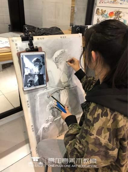 北京壹加壹动画班学生作品,因为中传面试需要作品集,所以同学们画的每一张作