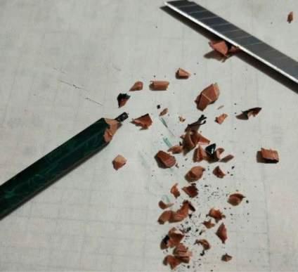 【轻松一刻,我恨美术系列】铅笔掉到地上不是断铅的声音 那是心碎的声音