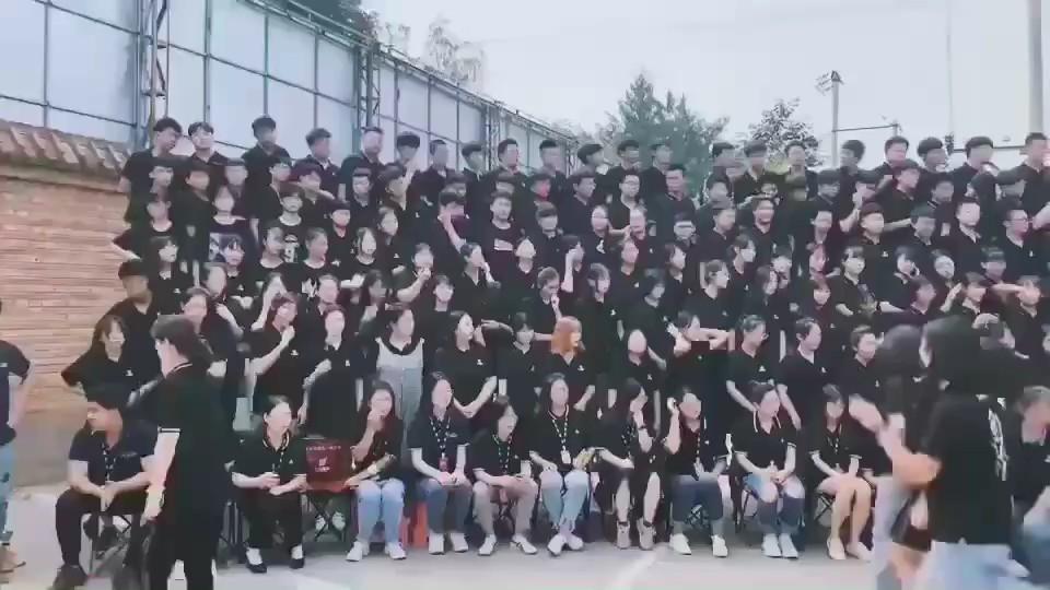 七点画室2019-2020届集体照炎炎夏日的留念!
