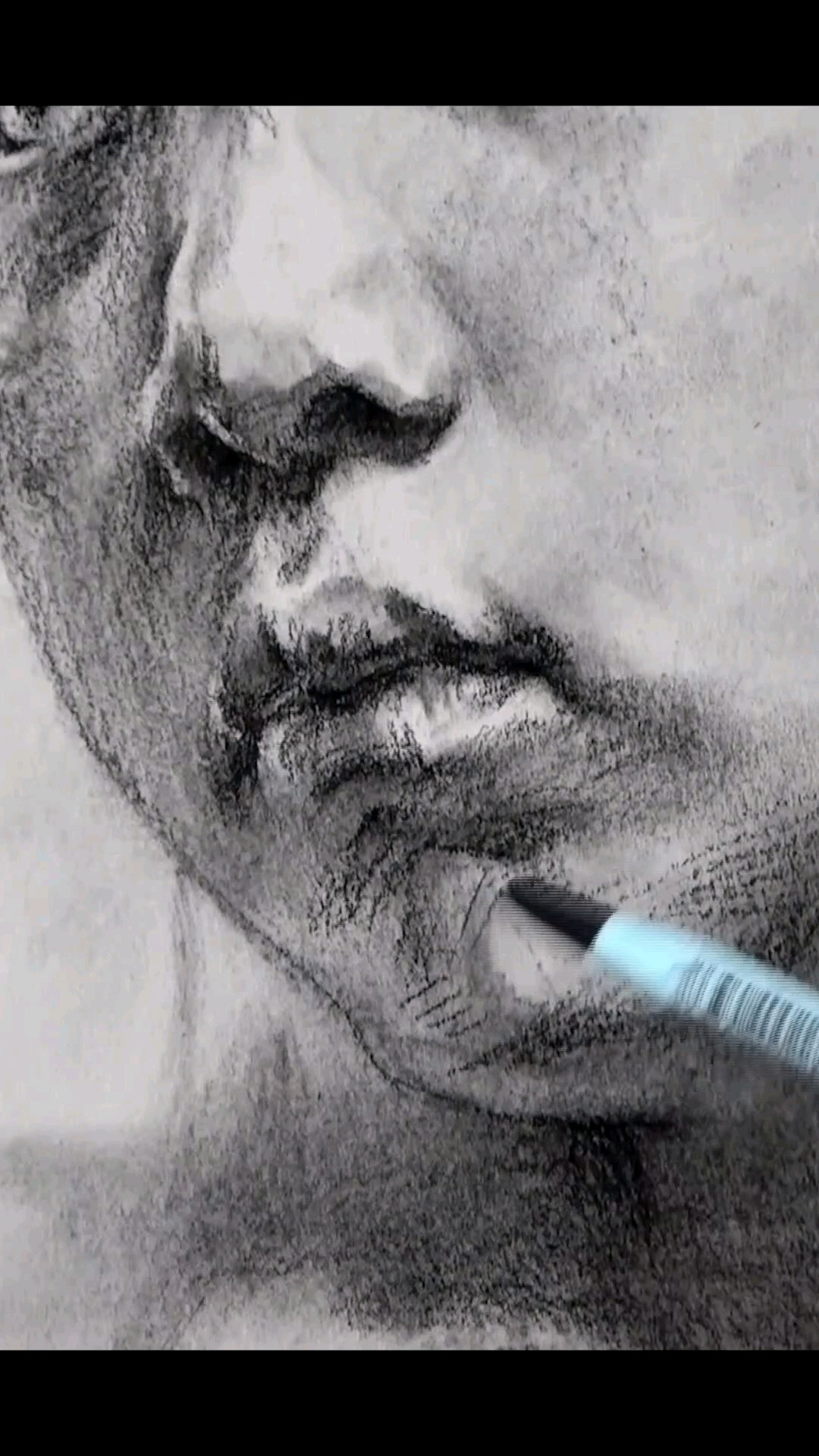 炭筆畫小女孩,看繪畫過程就很過癮