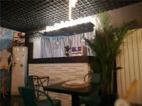 北服人画室用餐环境吧台