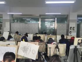 太原善知鸟美术培训学校教室图7