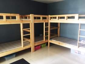 六人间宿舍