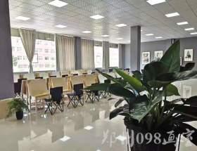 郑州098美术培训学校教室图3