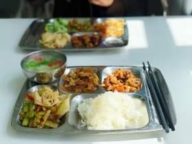 北京成功轨迹画室食堂图2