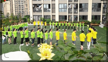 学校开展集训学员体能拓展训练