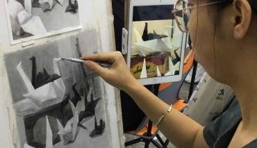 【北京博藝畫室】素描的作畫姿勢和握筆姿勢
